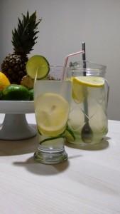 alimentação saudável com água detox