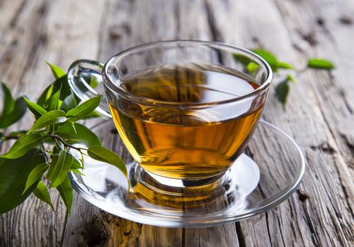 chá de aroeira para corrimento