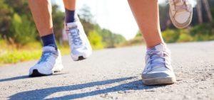 principais benefícios da caminhada